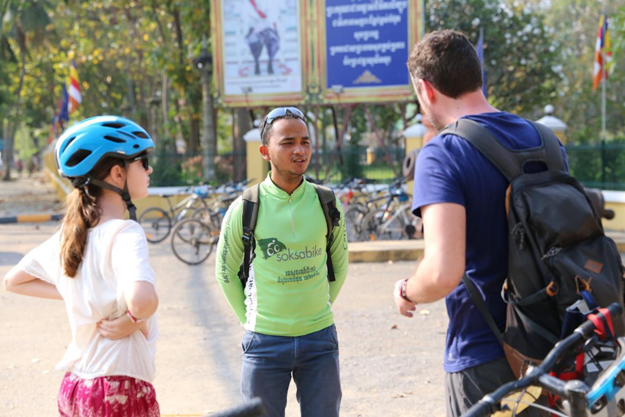 Customs and Culture Half Day Walk and Bike Tour in Battambang