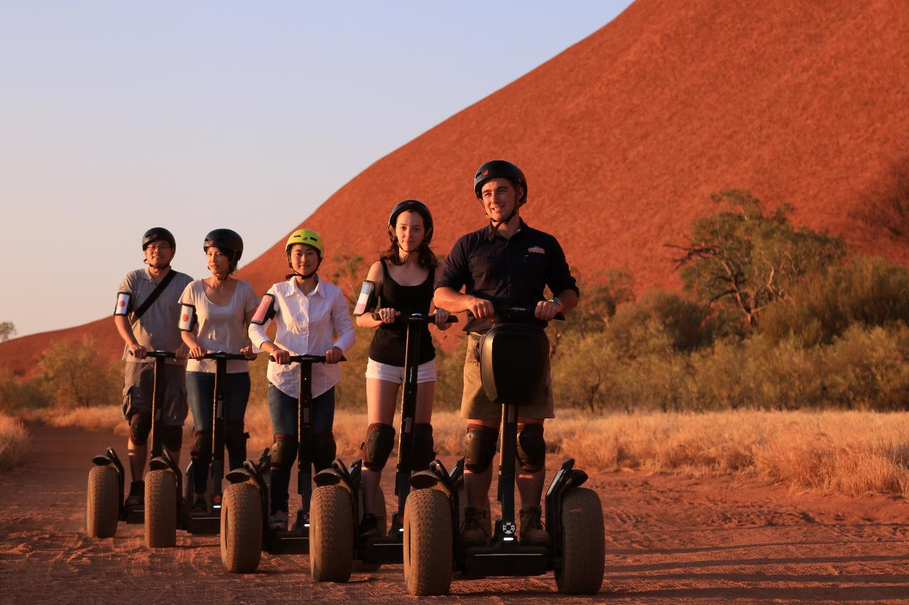 Quarter Uluru Segway & Sunset (SST)