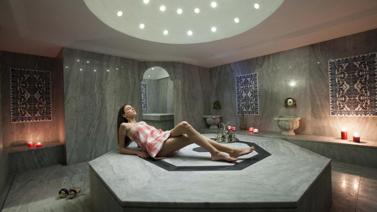 Hammam and Sparkling Wine experience in Athens 90min