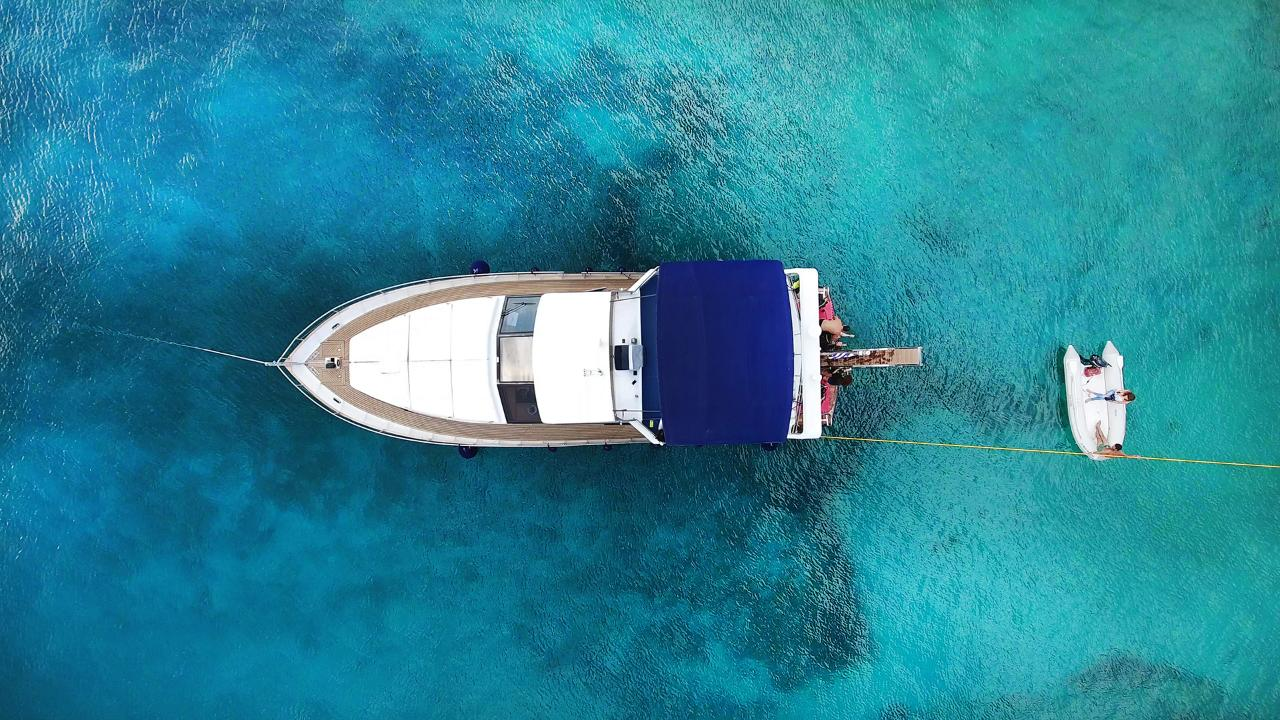 Athens Yacht Half Day Tour - 5 hours