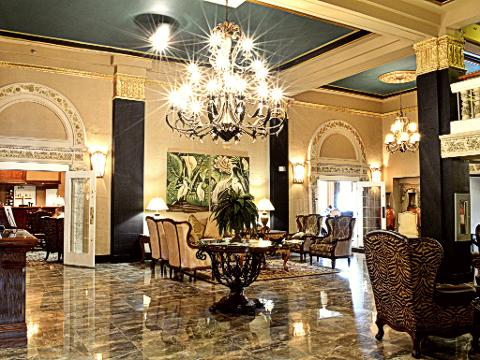 Grant Hall Hotel: Couples WEEKEND Moose Jaw Staycation/Vacation Package
