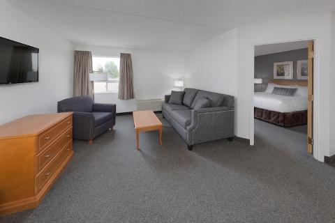 Heritage Inn & Convention Centre: Two Night Couples Moose Jaw Staycation/Vacation Package
