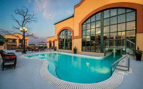 Temple Gardens Hotel & Spa: Two Night Couples Moose Jaw Staycation/Vacation Package