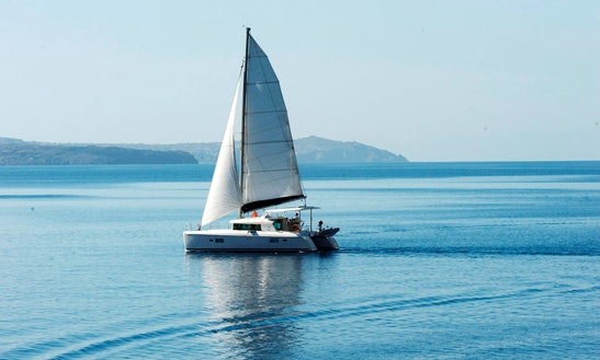 Santorini Finest by Land and Sea the Highlights tour and Catamaran cruise