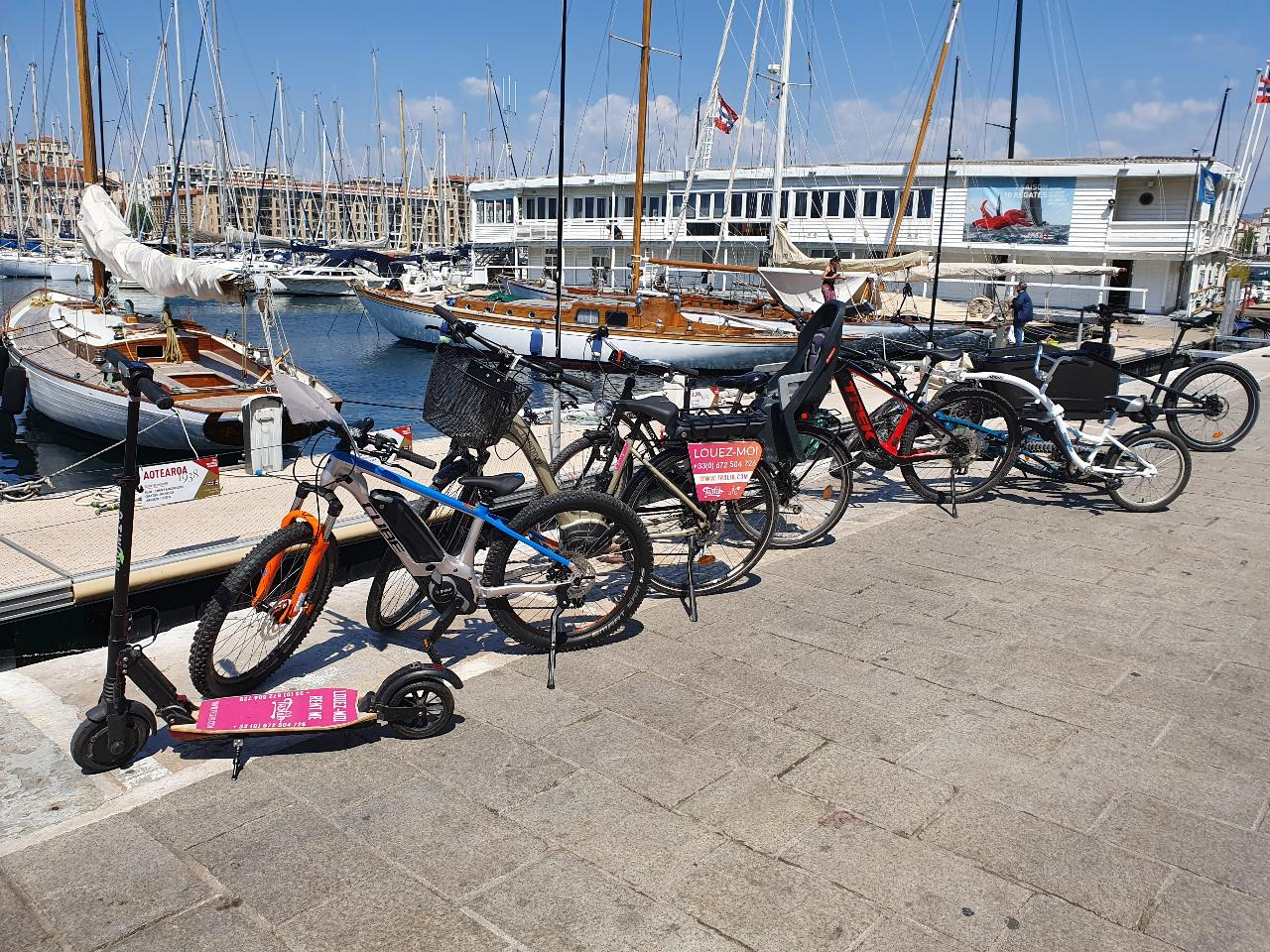 Location demi journee velo, VTT, cargo, trottinette electrique a Marseille