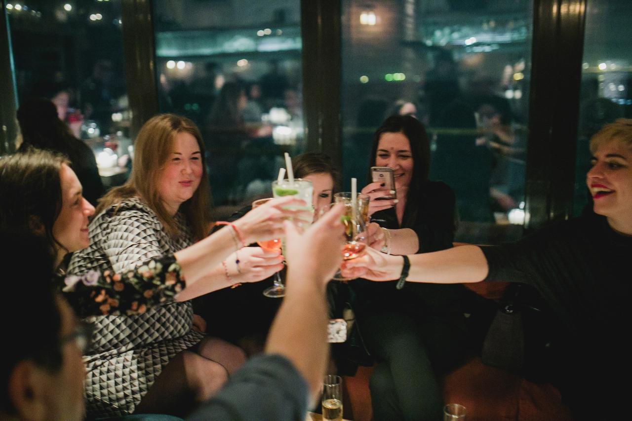Thessaloniki evening tour with Greek drinks 5hr