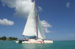 CRUISE WEST (WATCH DOLPHINS & BENITIER ISLAND) - Harris Wilson West | Bare Boat Charter